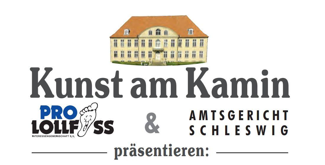 """Bild zur Veranstaltungsreihe """"Kunst am Kamin"""", das das Amtsgerichtsbäude zeigt und darunter die Zeilen: """"Kunst am Kamin - Pro Lollfuß und das Amtsgericht Schleswig präsentieren:"""""""